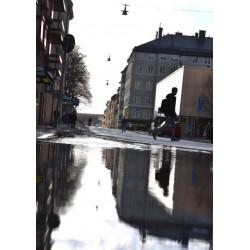 Fototavla av reflektioner i vatten. Tavlor, posters, prints i svartvitt