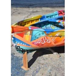 Fotokonst av Colorful boat. Köp prints online från Spoca edition