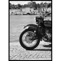 Ural MC fotokonst. Svartvitt fotografi till salu från Spoca edition
