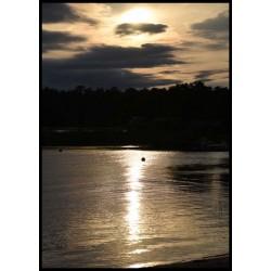 Fotografisk tavla. Cool fotokonst av sol i moln från Spoca edition