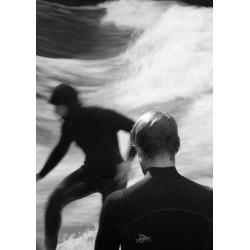Poster med svartvit fotokonst. Tavla med surfare