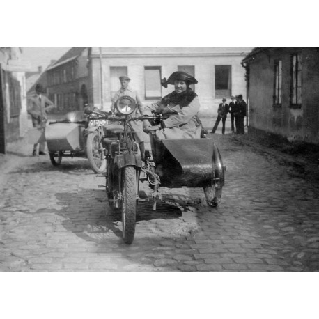 Tavla, poster Motorcyklar i Ystad. Vintage fototavla