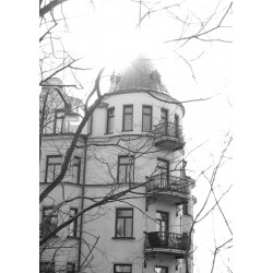 Svartvit poster med vitt hus på Södermalm. Foto, Stockholmsmotiv