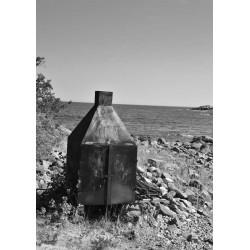 The smoke by the sea Poster. Matcha svartvit fotokonst