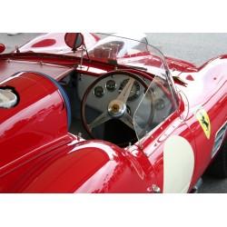 Poster på en ikon bland sportbilar. Fototavla.
